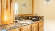 Cedar Canyon LS 2078 Bathroom