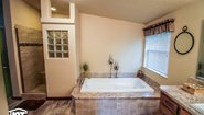 Pinehurst 2510-V1 Bathroom