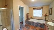 Pinehurst 2506-V1 Bathroom