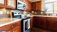 Grand Manor 6012-2 Kitchen