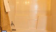Pinehurst 2501 Bathroom