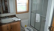 Single-Section Homes NETR G-613 Bathroom