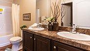 Waverly Crest 28443W Bathroom