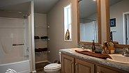 Waverly Crest 28683W - MHAdvantage Bathroom