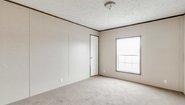 Sandalwood XL 28764W Bedroom