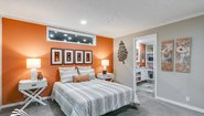 Sandalwood XL 28563B The Crush Louisville Bedroom