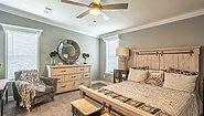 Palm Harbor Plant City Pompano IV LS40482B Bedroom