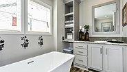 Skyliner 4732B Bathroom