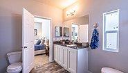Creekside Manor 4663A Bathroom