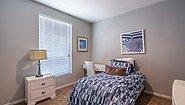 Creekside Manor CM-4663A Bedroom