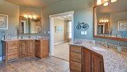 Creekside Manor CM-4602S Bathroom