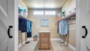 Creekside Manor CM-4602S Bedroom
