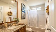 Creekside Manor CM-4603B Bathroom