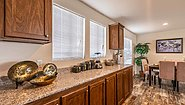Creekside Manor CM-4603B Kitchen