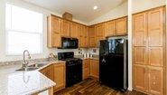 Creekside Manor CM-6622L Kitchen