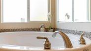 Creekside Manor CM-6622L Bathroom