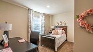 Creekside Manor CM-4564B Bedroom