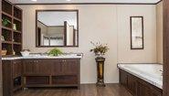 Foundation King Air Bathroom