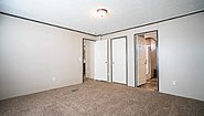 LH Waverly Crest 28563C Bedroom