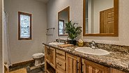 Showcase MW The Forest Heights 32' Bathroom