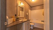 Keystone The Carrington 76 KH30764C Bathroom