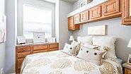 Park Model RV Montclair DV106 Bedroom