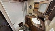 America's Park Cabins Lodge Series ND-39 Bathroom