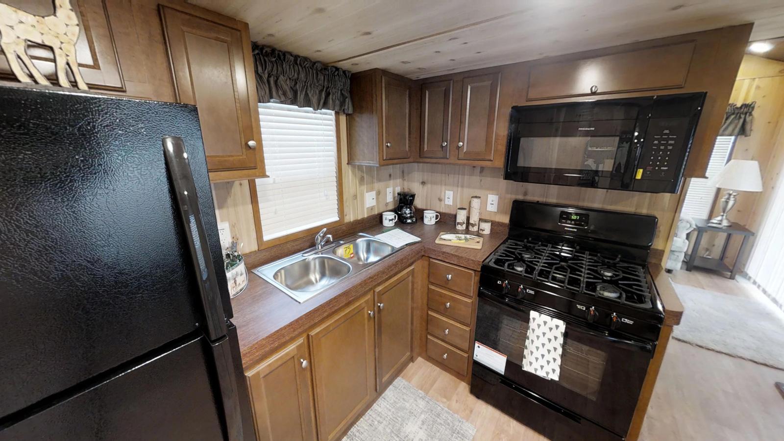Americas-Park-Cabins-Lodge-Series-39-ND-10052018_095543