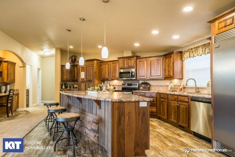 American Home Centers - Cedar Canyon 2077 - Kitchen