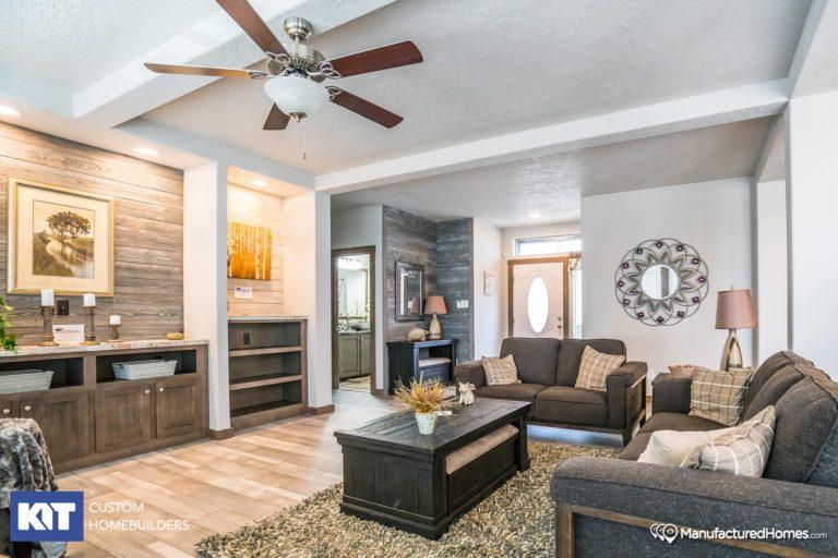 American Home Centers - Grand Manor 6009 - Interior